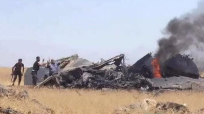 Hình ảnh được cho là từ hiện trường máy bay rơi - Ảnh chụp từ clip