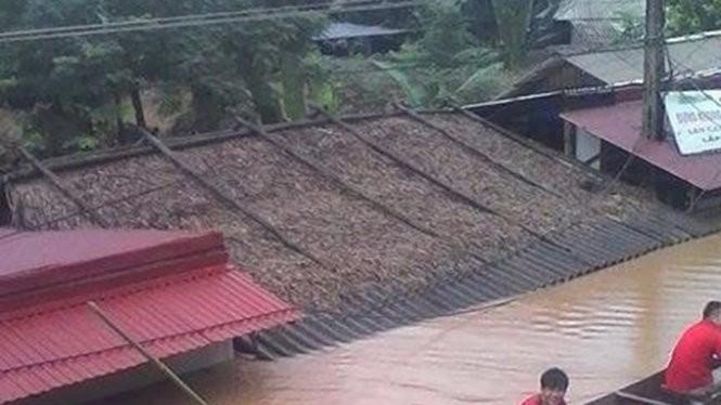 Mưa lũ gây ngập lụt, thiệt hại nặng ở huyện vùng cao Quan Hóa (Thanh Hóa) - Ảnh do người dân cung cấp chiều 3-8