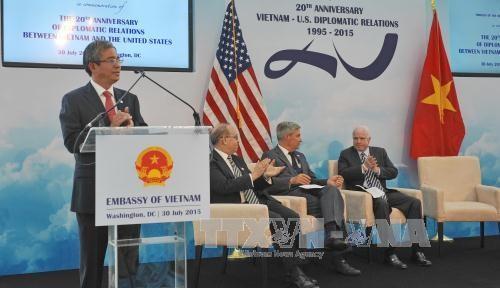 Đại sứ Phạm Quang Vinh phát biểu khai mạc Lễ kỷ niệm. Ảnh: Thanh Tuấn – P/v TTXVN tại Hoa Kỳ.