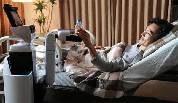 HSR có thể giúp chăm sóc người già, người bệnh khá chu đáo