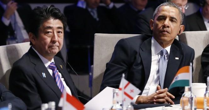 Thủ tướng Nhật Bản Shinzo Abe (trái) và Tổng thống Mỹ Barack Obama (phải). Ảnh: PBS