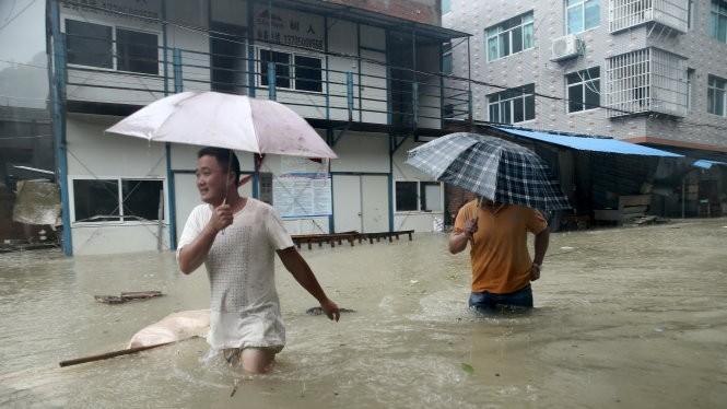 Bão Soudelor gây ngập nặng ở Phúc Kiến Ảnh: Reuters