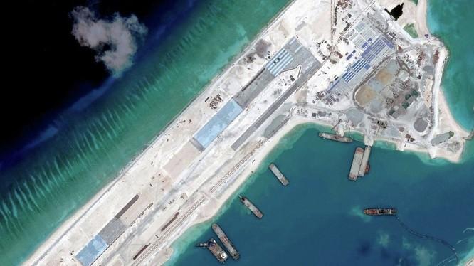 Đá Chữ Thập đã được Trung Quốc xây dựng thành đảo lớn nhất tại quần đảo Trường Sa, có đường băng dài 3.000m