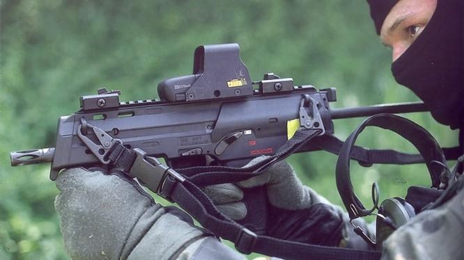 Vũ khí nguy hiểm dành cho khủng bố - súng tiểu liên cực ngắn Heckler & Koch MP7