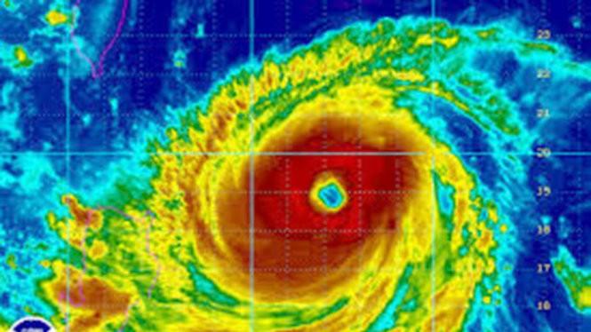 Hình ảnh vệ tinh của siêu bão Goni - Ảnh: Accuweather