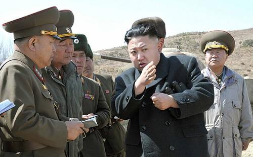 Nhà lãnh đạo Kim Jong-un đã ra lệnh cho các lực lượng ở tiền tuyến bước vào tình trạng chiến tranh. Ảnh: KCNA