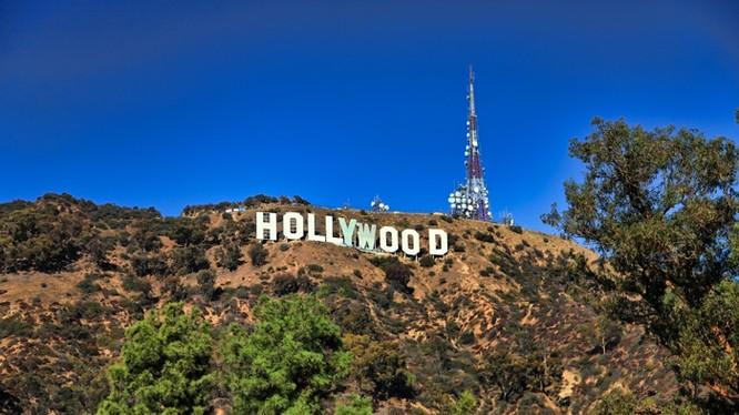 Những doanh nhân nào giàu có và quyền lực nhất Hollywood?