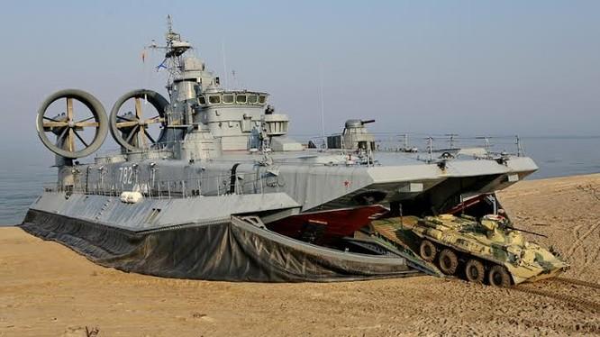 Tàu đổ bộ trên đệm khí Zubr (Bò rừng) dự án 12322