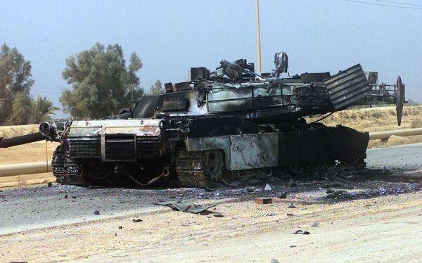 Xe tăng Abrams trúng đạn RPG