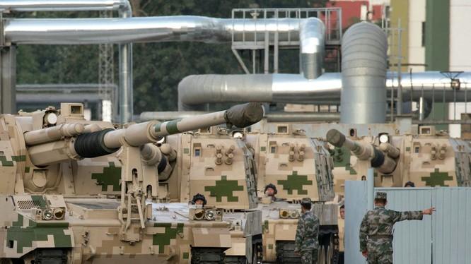Các hệ thống bích kích pháo xuất hiện trong buổi diễn tập chuẩn bị cho duyệt binh (Ảnh: AP)