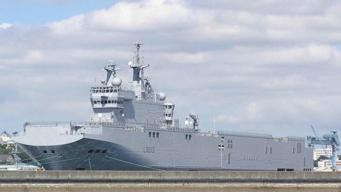Tàu Mistral đang nằm không ở vùng biển của Pháp