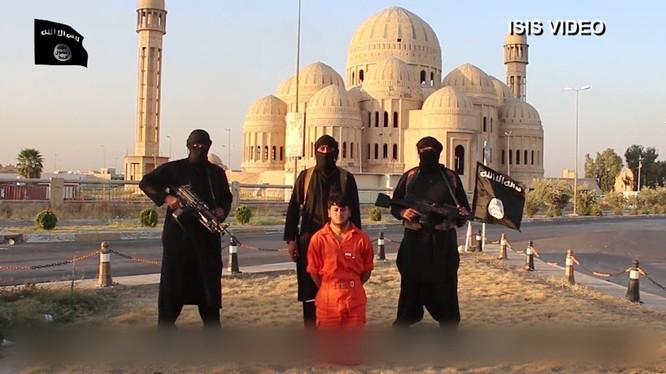 IS tung video thiêu sống 4 chiến binh Hồi giáo