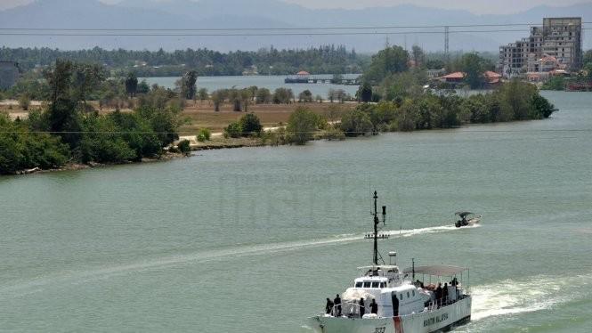 Tàu tuần tra của Cơ quan Thực thi pháp luật hàng hải Malaysia (MMEA) đã được cử đi cứu hộ Ảnh: Malaysian Insider