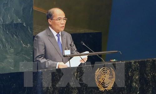Chủ tịch Quốc hội Nguyễn Sinh Hùng dự phiên khai mạc Hội nghị các Chủ tịch Quốc hội trên thế giới và phát biểu tại phiên toàn thể lần thứ nhất. (Ảnh: Nhan Sáng/TTXVN)