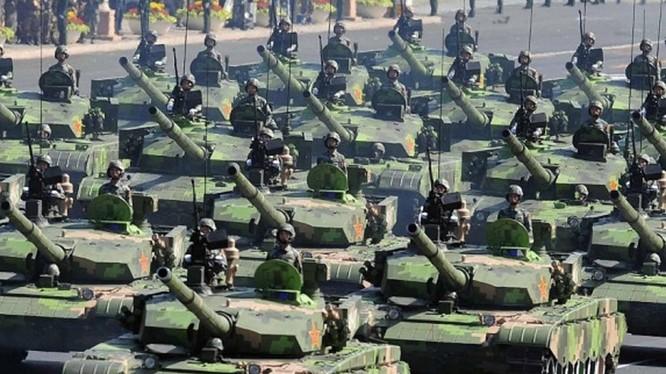 Đội hình xe tăng Type-99 trong diễu binh
