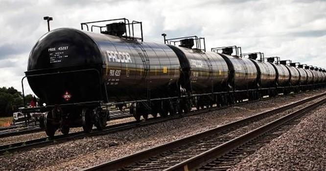 Giá dầu sụt giảm vì tin tiêu cực từ Trung Quốc