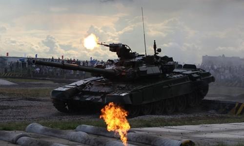 Xe tăng T-90 của Nga.