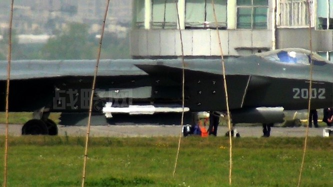 Tên lửa PL-10 được thiết kế cho chiến đấu cơ thế hệ 5 J-20