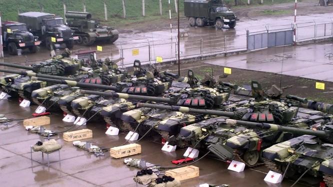Xe tăng của lữ đoàn BBCG số 18 Nga
