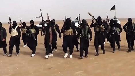 """""""Đột nhập"""" cứ điểm của Nhà nước Hồi giáo IS"""