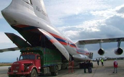 Máy bay vận tải của Nga chở hàng tiếp tế tới Syria. Ảnh: Reuters