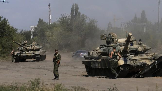 Tăng T-90 Nga ở Syria