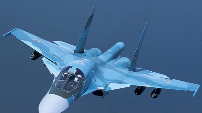 Cường kích mang bom Su-34