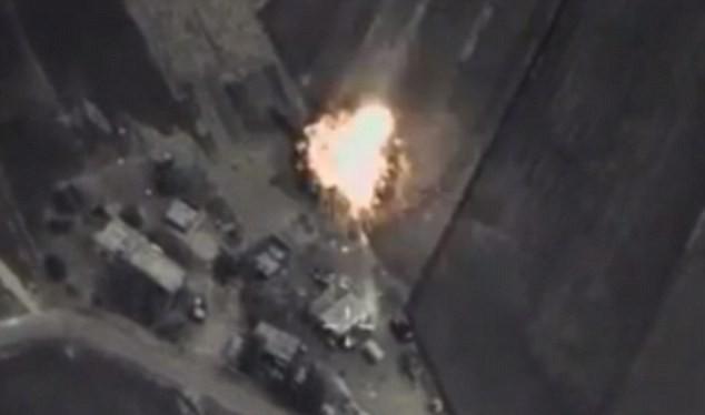 Mục tiêu nhóm khủng bố ISIL bị tấn công