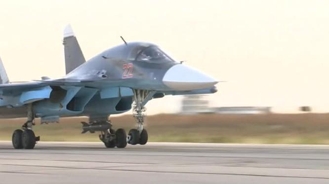"""Chiến tích đầu tiên của """"Thú mỏ vịt"""" Su-34 tại chiến trường Syria"""