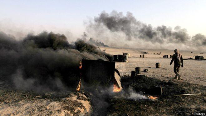 Xe cơ giới của IS tan nát sau đợt không kích của không quân Nga