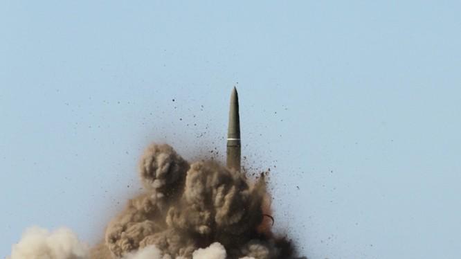 """Xem """"bảo bối"""" chống NATO của Nga phá hủy mục tiêu"""