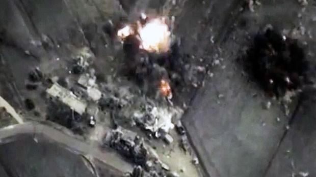 Mưa bom - tên lửa Nga khiến khủng bố IS hoảng loạn