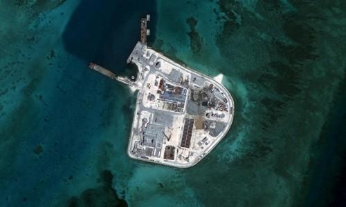 Đá Gạc Ma, một trong các bãi đá thuộc quần đảo Trường Sa của Việt Nam bị Trung Quốc cải tạo thành đảo nhân tạo. Ảnh chụp ngày 27/5. Ảnh: CSIS/AMTI.