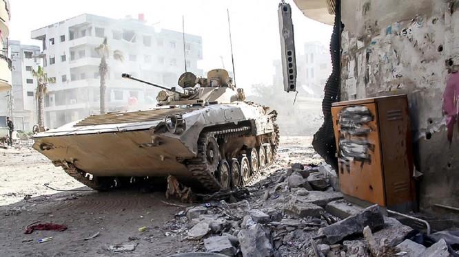 Quân đội Syria dốc lực tấn công dưới bão lửa trực thăng Nga