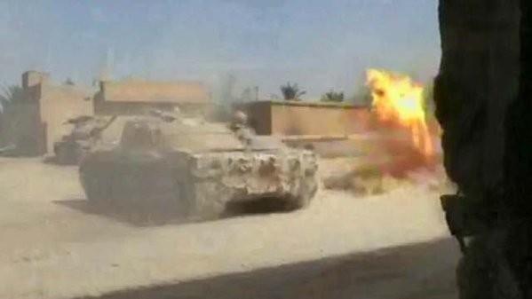 Chiến trận giằng co ác liệt giữa quân đội Syria và chiến binh IS, en - Nursa