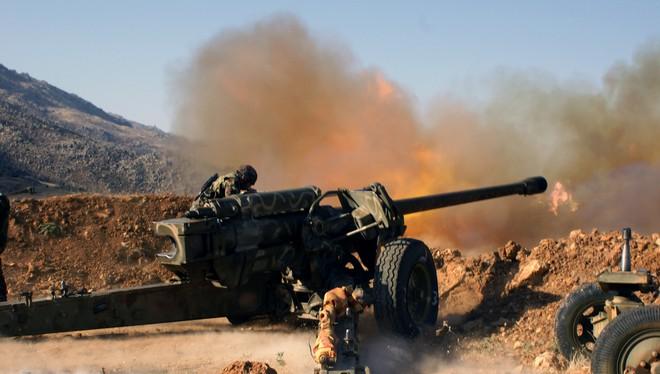 Hỏa lực khủng khiếp của pháo binh Syria vây chặt Morek