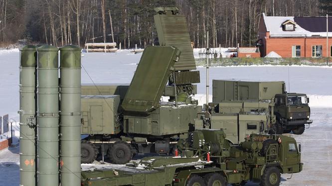 """Uy lực hệ thống tên lửa phòng không S-400 """"Triumph"""""""