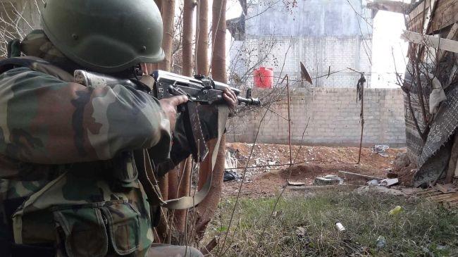 Đấu súng ác liệt, T-72 Syria thổi bay hỏa điểm IS