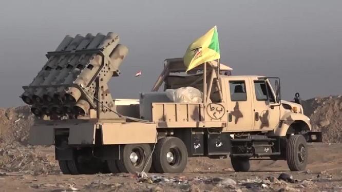 """Hezbollah chế """"Pháo địa ngục"""" chống IS"""