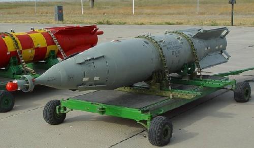 Kinh hoàng bom thông minh Nga KAB - 1500 tại chiến trường Syria