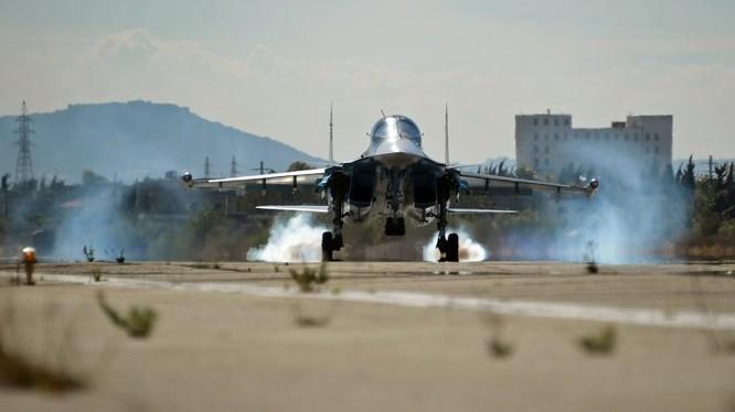 """Không quân chiến lược Nga tham chiến, """"liên thủ"""" tàu sân bay Pháp đánh IS"""