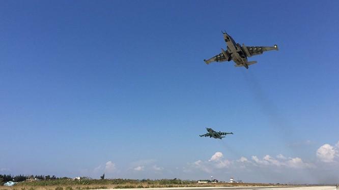 """Nga, Syria không kích kinh hoàng IS sau """"cái chết"""" của Su-24"""