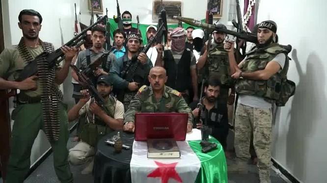 """Sự thật đáng sợ về lực lượng Quân đội Syria tự do """"đối lập ôn hòa"""""""