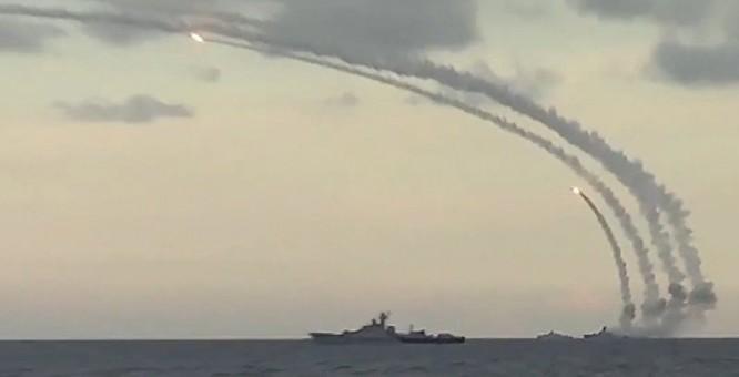 """Nga và Syria chuẩn bị tiến hành chiến dịch """"Quét sạch biên giới"""""""