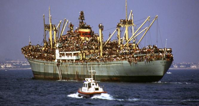 Chùm ảnh: cận cảnh kinh hoàng làn sóng người nhập cư