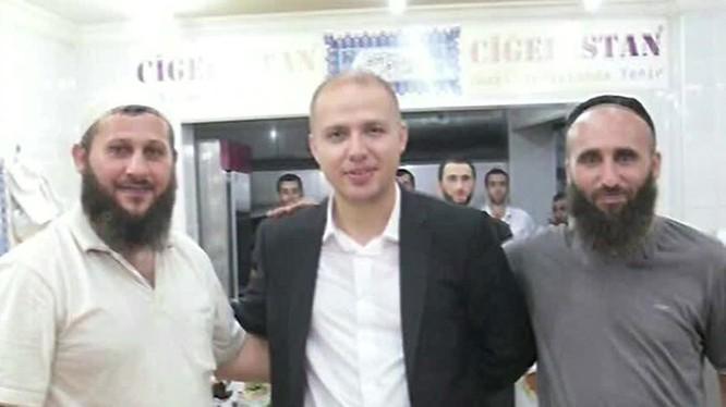 Người dẫn nguồn sống cho IS - Recep Tayyip Erdogan Bilal