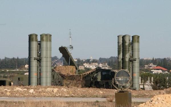Syria dồn dập tấn công, Mỹ đe dọa trừng phạt Nga và Iran