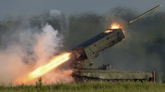 """""""Lửa địa ngục"""" hỏa lực kinh hoàng của TOS-1A """"Blazing Sun"""" ở Syria và Iraq"""
