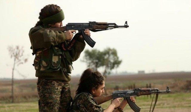 Video: Những nữ binh dũng cảm bảo vệ đất mẹ Syria