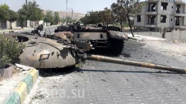 Phiến quân khủng bố bắn giết lẫn nhau, không quân Syria tiêu diệt một đoàn xe IS